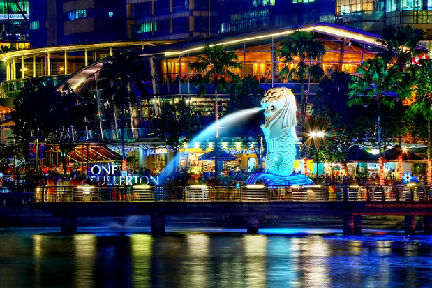 A Night Perspective on the Singapore Merlion 8347645113 کاری