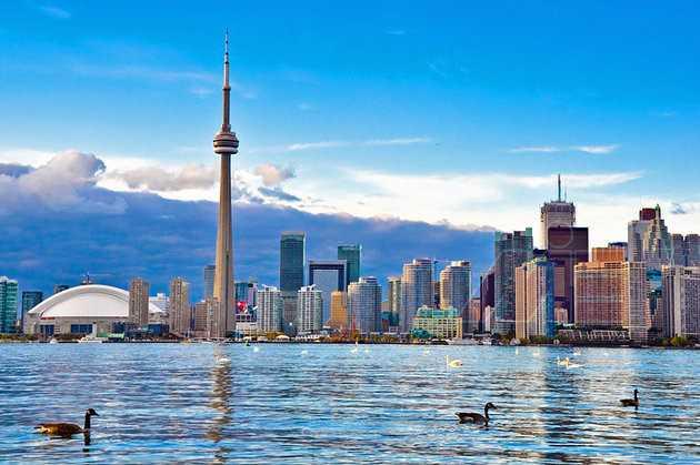 cn tower ویزای توریستی کانادا
