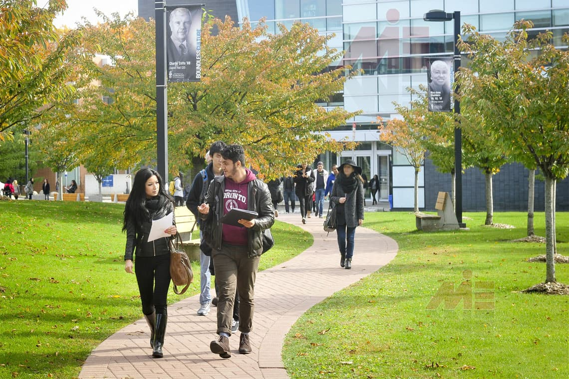 University of Toronto grounds دانشگاه های کانادا